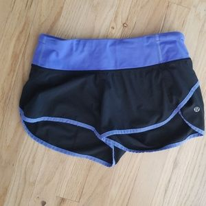 Lululemon SZ 4 Run Speed Up Shorts blue/black
